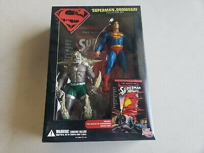 DC DIRECT: Superman vs Doomsday Collector Set with Comic Book NIB