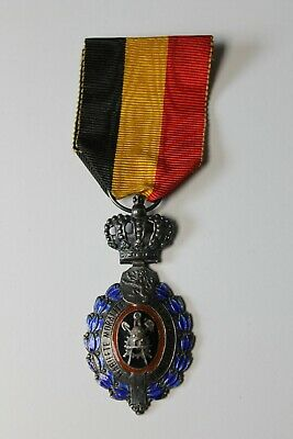 Belgium Industrial and Agricultural 25 Years Service White Metal & Enamel Medal