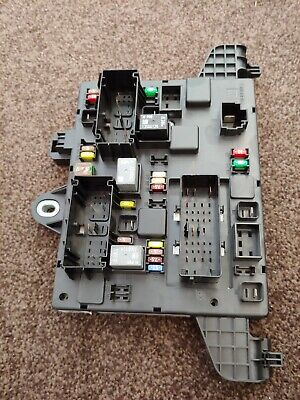vauxhall astra j mk6 rear fuse box relay 13302301 qq