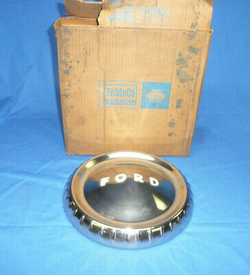 NOS Ford 1961-63 Falcon Dog Dish Hubcap