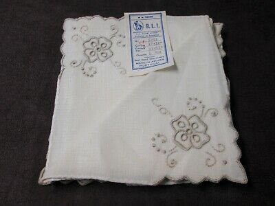 Vintage MADEIRA 4 Linen Napkins Cutwork Flowers Never Used w/ Labels AZORES