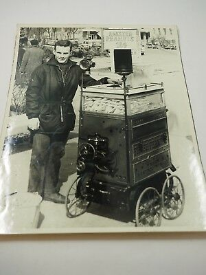 Hot Peanuts IN The Chicago Hiver Time Vintage Photo Blanc & Noir 8 X 10