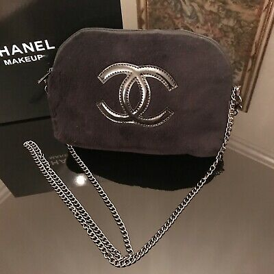 17390930b4cf5c CHANEL BEAUTY MAKEUP Cosmetic Bag Pouch Clutch iPHONE Black Velvet ...