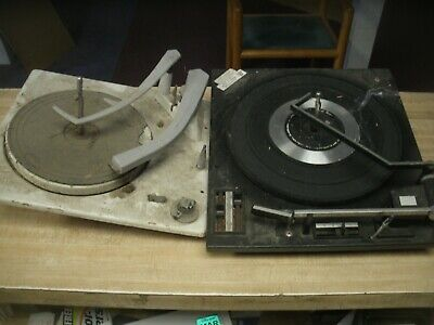 2 VINTAGE VM VOICE OF MUSIC 4-SPEED  CHANGER TURNTABLE (PARTS) good motors