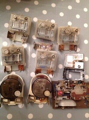 Vintage  Clock Movements Battery Electric Clockmakers Spare Parts Untested