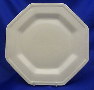 """A Johnson Brothers 'Heritage White' 7 7/8"""" Salad Plate"""