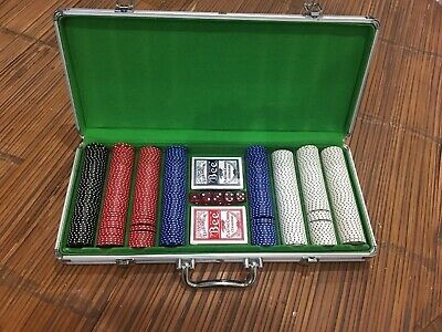 400 Clay Poker Chip Set With Aluminum Carrying Case And Bee Playing Cards