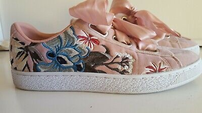 los angeles 7ebc8 3ff47 PUMA BASKET HEART Hyper Embroidery Pink Velvet Women's Shoes Sz 9
