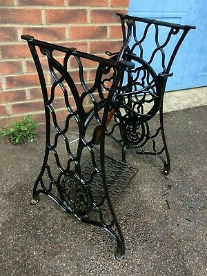 Singer Treadle Sewing Machine Cast Iron Base / Frame