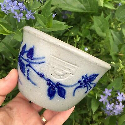 """1992 Salmon Falls Pottery Stoneware Blue Berries On Vine Tall Berry Bowl 3"""" High"""