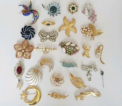 9d75b3d6c5d Vintage Costume Jewellery Brooches Mixed Lot Various Eras And Styles  Rhinestones