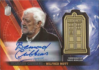 "Doctor Who Timeless - Bernard Cribbins ""Wilfred"" Autograph Medallion Card #05/10"