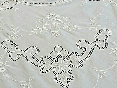 Exquisite Snow White Hand Embroidered Madeira Banquet Tablecloth & 12 Napkins