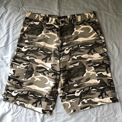 b7ef498ffd Jordan Craig Camo Cargo Shorts White Black Snow City Cement Grey Size 36  Baggy