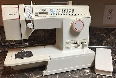 Singer 4552 Merritt Sewing Machine Vintage with Pedal Used Tested Works.