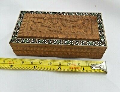 Antique/Vintage Hand carved wooden Trinket/Pill Box Good Condition