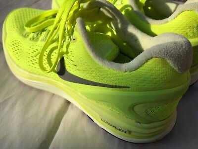 promo code ae0a4 9c629 Nike Lunarlon Bright Yellow With Silver Swoosh Dynamic Support Size 8.5