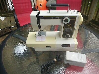 Vintage White Zigzag Sewing Machine Model 999 With Extras Been Serviced