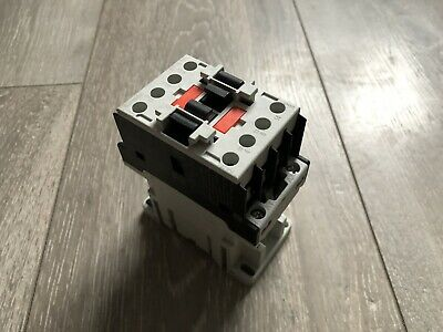 1 X BF1810A024 Contactor:3-pole; Auxiliary contacts NO; 24VAC; 18A; NO x3; DIN