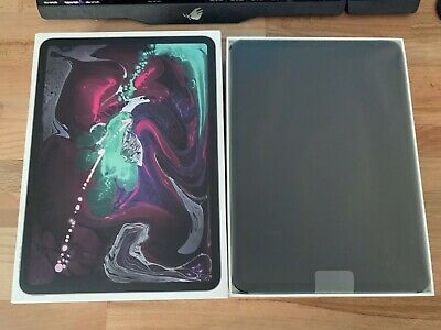 Apple iPad Pro 3rd Gen 256GB Wi Fi 11in Space Gray - Mint Condition**