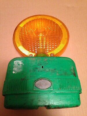 Vintage Dietz 670 VISI-Flash Construction Signal Light With Green Base (Rare)