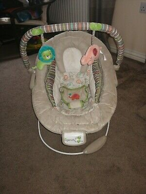 Ingenuity Cradling Baby Bouncer - Cozy Kingdom Vibrations Seat Chair