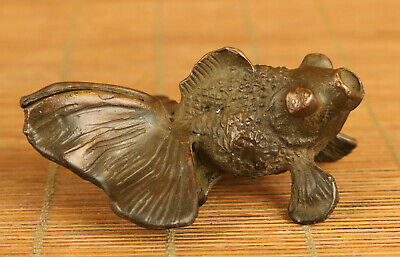 Chinese old bronze hand carving luck goldfish statue figue netsuke decoration