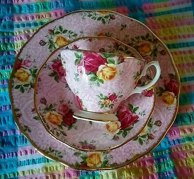 Lovely 2002 Royal Albert Old Country Roses Dusky Pink Lace Trio Cup,Saucer,Plate