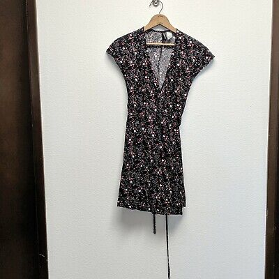22a323241 H&M DIVIDED BLACK Floral Print Sheer Open Front Batwing Blouse M ...