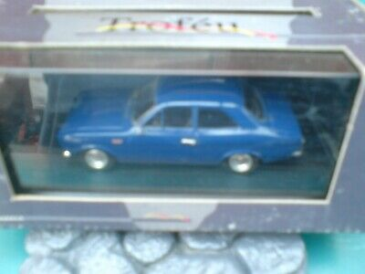WHITEBOX WBX0003-1//43 SCALE FORD ESCORT MK I 1300 GT GREEN 1970 MODEL CAR