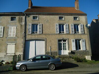 Four Bed Renovated House  near Le Dorat Limousin -France