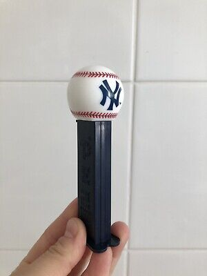 Pez Dispenser~Major League Baseball~New York Yankees Great Condition