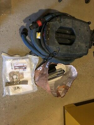 Bosch GAS 35 M AFC Wet & Dry Vacuum Cleaner & Dust Extractor 110v