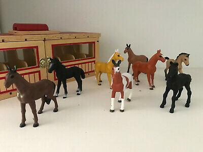 Melissa Doug Wooden Show Horse Barn Take Along Stable Farm Toy And