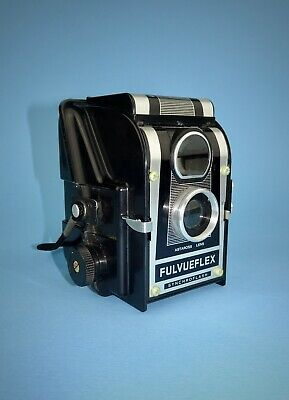 Ross Ensign Fulvueflex pseudo-TLR camera from late 1950s in excellent condition.