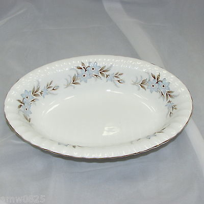 Royal Standard Dawn Oval Serving Bowl Fine Bone China England Blue Flowers Gold
