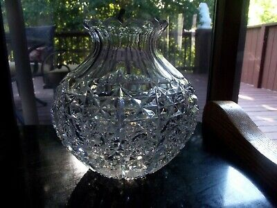 Squatty VASE flowers, Glass Cut Lead Crystal Bohemia Queen Lace PK500 hobstars