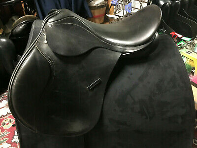 "County Eventer Saddle 17.5"" Wide Black"