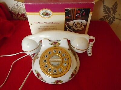 Royal Albert Old Country Roses *** VINTAGE TELEPHONE BOXED ***