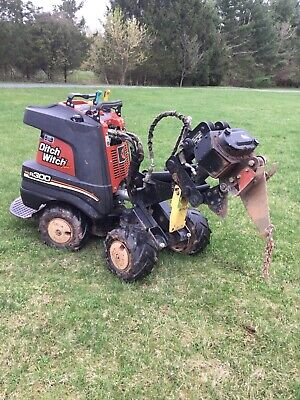 ditch witch Zahn R300,4x4,only 458 hours !!! Perfect condition.1 owner. garaged