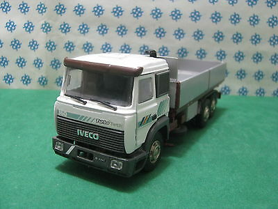Camion Fiat Iveco Turbo Technologie Fourgon 3 Axes -1/43 Old Voitures / Gila