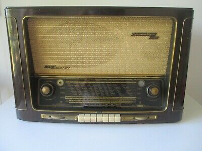 Vintage wooden 1954-1955  Grundig 4035 Push Button Table model Radio