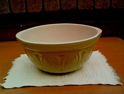 GRIPSTAND HEAVY MIXING BOWL IN GREEN MADE IN CHINA 26.5cm OUTER RIM DEPTH 15 cm.
