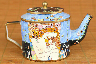 Chinese old cloisonne hand painting mother love hug statue tea pot fine decorate