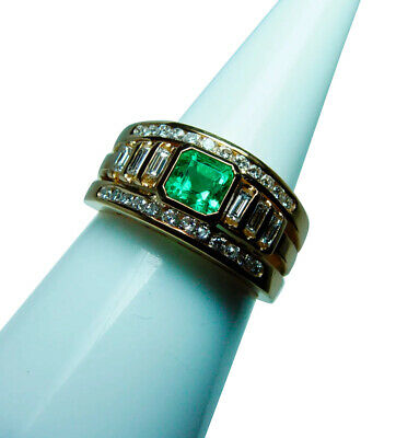 Colombian Emerald Baguette Diamond 18K Gold Ring Clean Bright