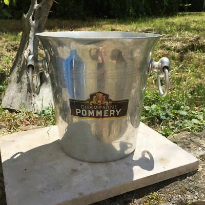 Altes Siegel A Champagne Pommery