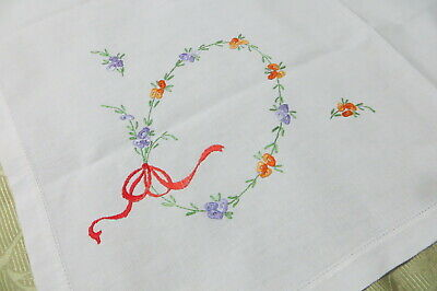 VINTAGE  ~ White Hand Embroidered  SUPPERCLOTH ~ PARIS/COUNTRY CHIC ~