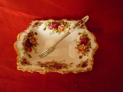 Royal Albert Old Country Roses **** A STUNNING  PICKLE DISH + MATCHING FORK****