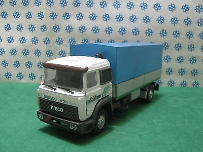 Camion Fiat Iveco Turbo Technologie Inclinez les Remorques 2 Axes -1/43 Old