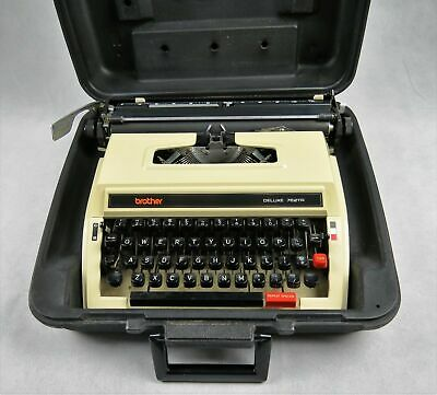 Brother Deluxe 762TR Manual Typewriter in Case Vintage Working